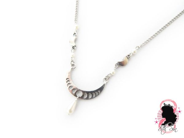Antique Silver Crescent Moon Necklace